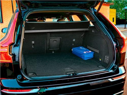 Предпросмотр volvo xc60 2018 багажное отделение