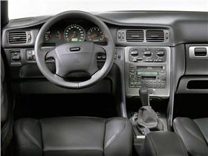 Volvo C70 2001 в кузове кабриолет рабочее место водителя