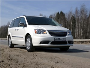 Chrysler Grand Voyager - chrysler grand voyager 2012 вид спереди