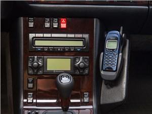 Mercedes-Benz S-Klasse 1997 центральная консоль