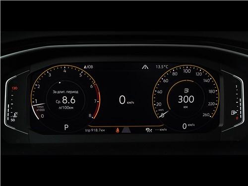 Volkswagen Jetta 2019 приборная панель