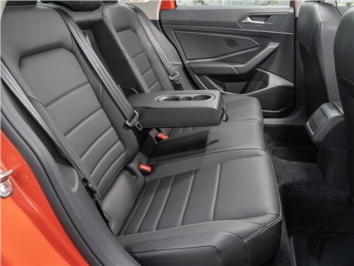 Volkswagen Jetta 2019 задний диван