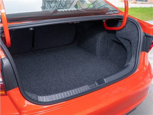 Volkswagen Jetta 2019 багажный отсек