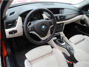 BMW X1 2012 водительское место