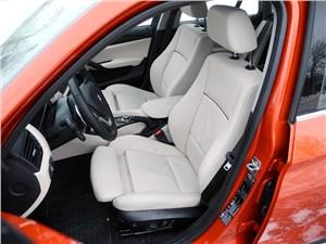 BMW X1 2012 передние седения
