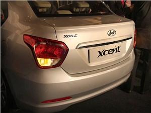 Hyundai Xcent 2014 задний фонарь