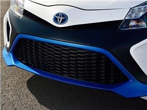Предпросмотр toyota yaris hybrid-r concept 2013 передний бампер
