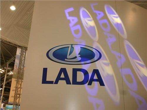 Новость про Lada - АвтоВАЗ в ноябре продемонстрировал 18-процентное увеличение продаж