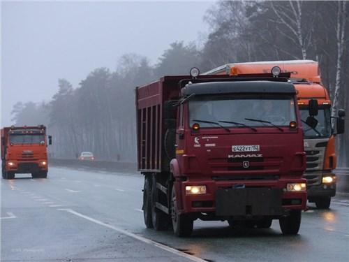Продажи грузовых автомобилей в России увеличились на 32,4 процента