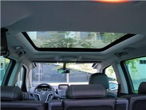 Opel Zafira Tourer 2012 панорамное стекло в крыше