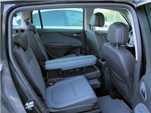 Opel Zafira Tourer 2012 задний диван