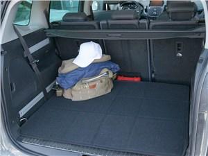 Opel Zafira Tourer 2012 багажное отделение