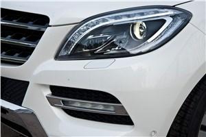 Предпросмотр mercedes-benz ml 500 2012 имеет фары со светодиодными секциями и дневные ходовые огни