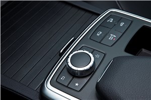 Предпросмотр mercedes-benz m-klasse 2012 пульт управления системы comand