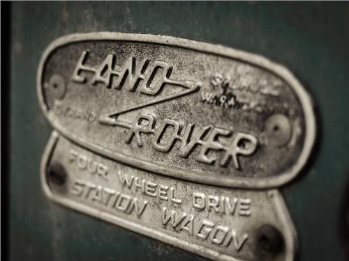 Новость про Land Rover - Российские продажи Jaguar Land Rover в октябре вышли из минуса