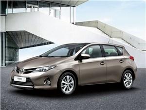 Toyota объявила рублевые цены на новый Auris