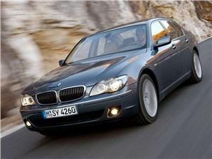 BMW отзывает 7-Series из-за дефекта дверей