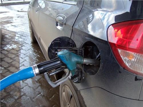 Впервые за 15 лет в России сократилось потребление бензина