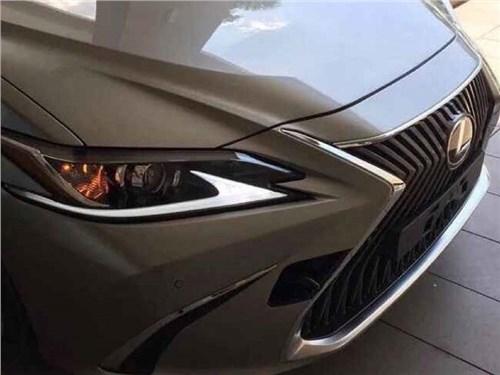 Lexus показал кусочек нового поколения седана ES