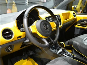 Предпросмотр volkswagen e-load up! 2013 водительское место