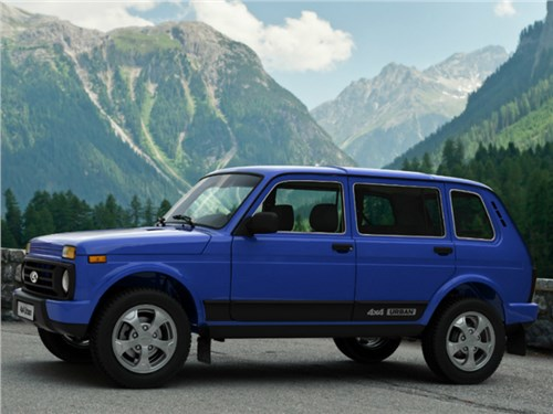 Пятидверная Lada 4x4 добралась до Германии