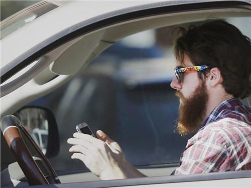 NHTSA предлагает создать «автомобильный» режим для смартфонов