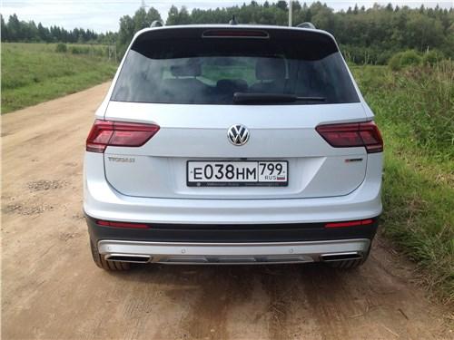 Volkswagen Tiguan 2017 вид сзади