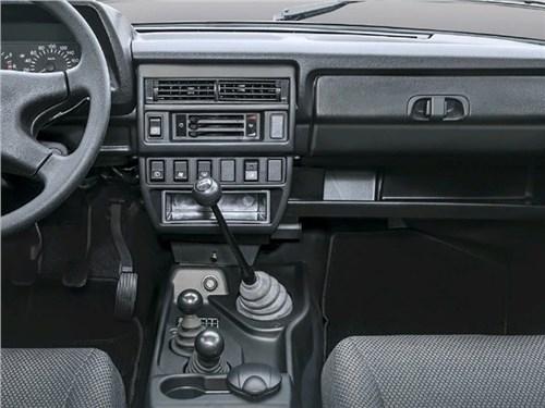 Названы лидеры по продажам автомобилей с «механикой»