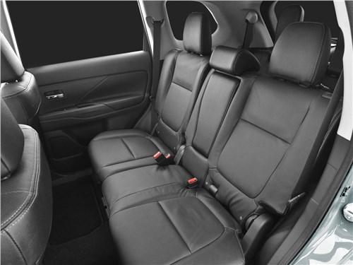 Mitsubishi Outlander 2019 задний диван