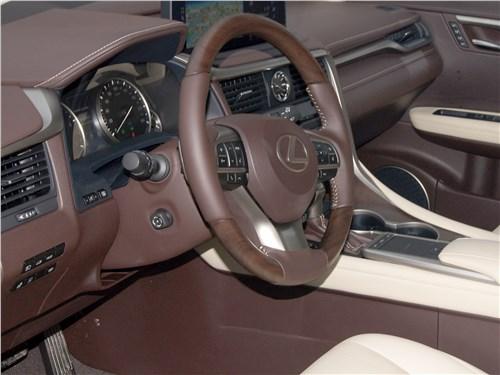 Lexus RX 350 2020 руль