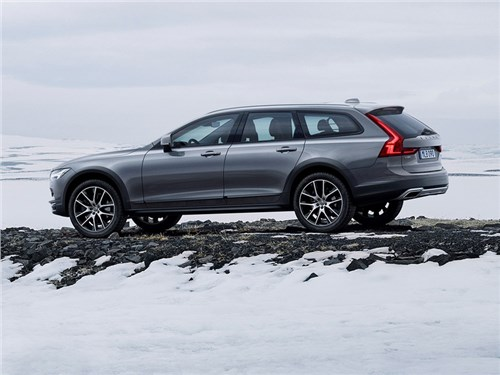 Volvo привезет V90 Cross Country в Россию в следующем году