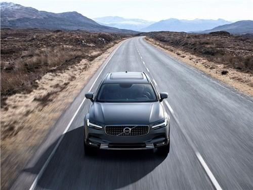 Новость про Volvo - Volvo рассекретила моторную гамму V90 Cross Country для российского рынка