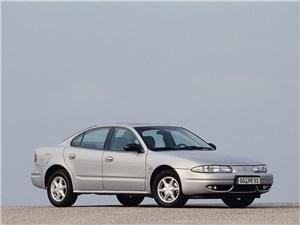 Крупные середняки (Chevrolet Alero (Oldsmobile Alero), Ford Taurus, Chrysler Sebring (Dodge Stratus)) Alero - Chevrolet Alero 1999 фото 2
