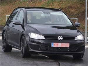 Volkswagen разрабатывает «заряженный» Golf R VII