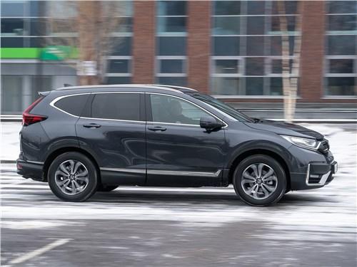 Honda CR-V (2020) вид сбоку