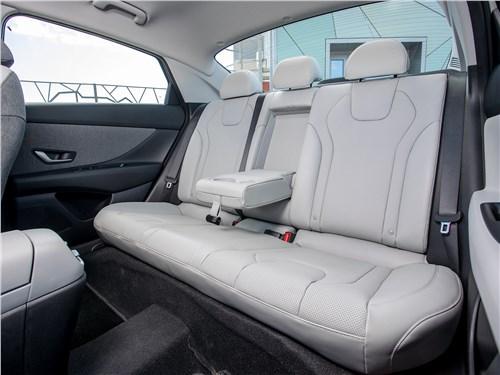 Hyundai Elantra (2021) задний диван