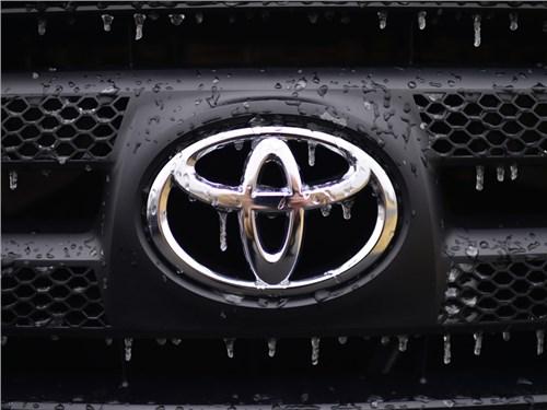 Новость про Toyota - В августе Toyota стала самым популярным японским брендом в России