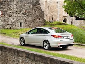 Hyundai I40 - Hyundai i40 2012 вид сзади
