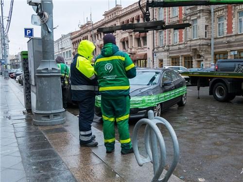 Все больше москвичей начинает соблюдать правила парковки