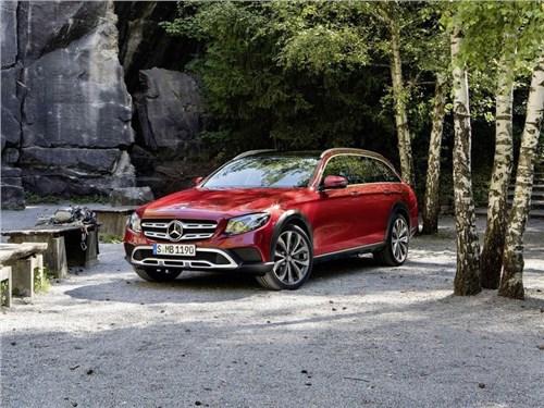 Новость про Mercedes-Benz - Mercedes-Benz назвал ориентировочные сроки появления нового E-Class All-Terrain в России