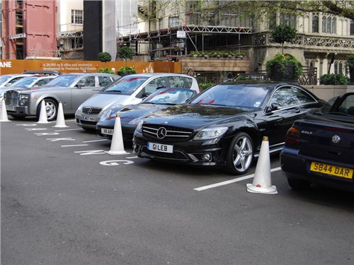 В России зарегистрировано чуть меньше десяти тысяч автомобилей класса Luxury