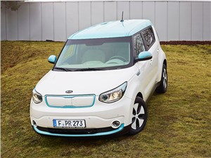 Kia Soul EV 2015 вид спереди фото 1