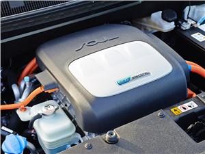 Предпросмотр kia soul ev 2015 двигатель фото 2