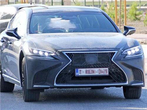 Lexus через месяц представит конкурента «шестисотому»