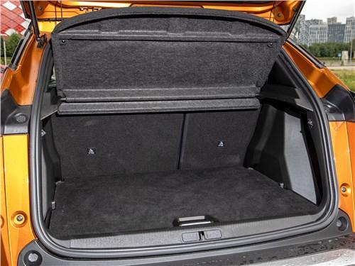 Peugeot 2008 (2020) багажное отделение