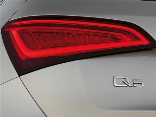Audi показала первый тизер нового поколения Q5