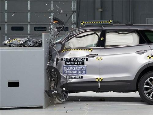 Новость про Hyundai Santa Fe - Обновленный Hyundai Santa Fe стал одним из самых безопасных автомобилей этого года