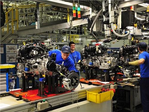 Минпромторг предлагает четырем крупным автопроизводителям объединиться