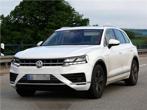Новый VW Touareg покажут в ноябре