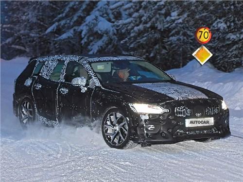 Volvo начала тесты нового поколения V60